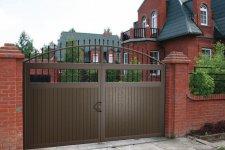 Монтаж распашных ворот под ключ